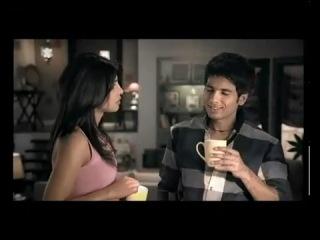 Приянка Чопра и Шахид Капур в рекламе Bru Lite