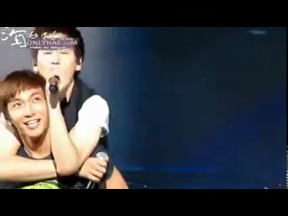 [FanCam] Super Junior - You & I - Donghae piggyback Eunhyuk @ Super Show III Qingdao [100828]